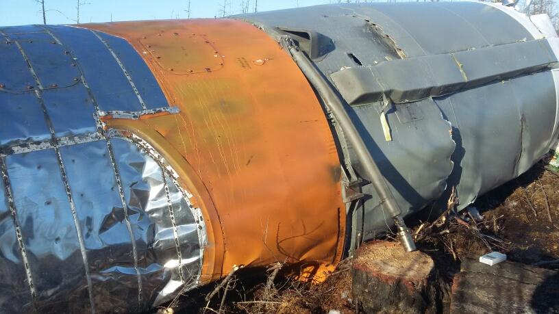 Il meccanismo di aggancio nella parte inferiore del booster. Credit: Roscosmos
