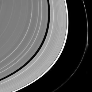 Disturbo nell'anello F di Saturno. Credit: NASA/JPL-Caltech/Space Science Institute