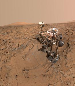 """Autoritratto di Curiosity presso il sito """"Okoruso"""". Credit: NASA/JPL-Caltech/MSSS"""