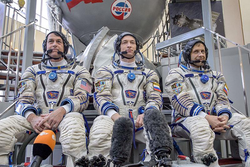 L'equipaggio di Expedition 49 ripreso lo scorso febbraio, quando erano riserve per Expedition 47