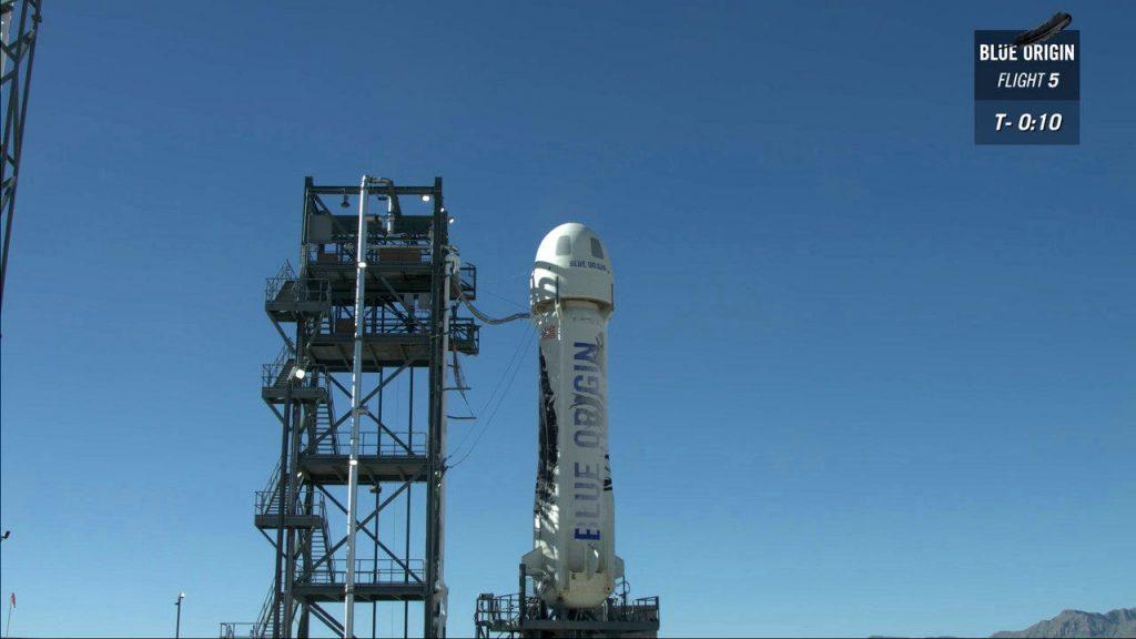Il New Shepard pronto per il lancio a T-10. Credit. Blue Origin