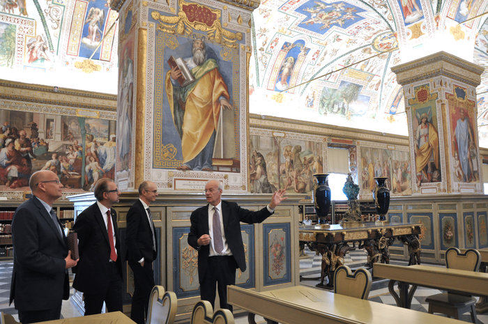 vatican_library_tour_node_full_image_2