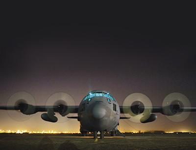 C-130 Hercules di Lockheed Martin durante l'accensione. Fonte: NASA