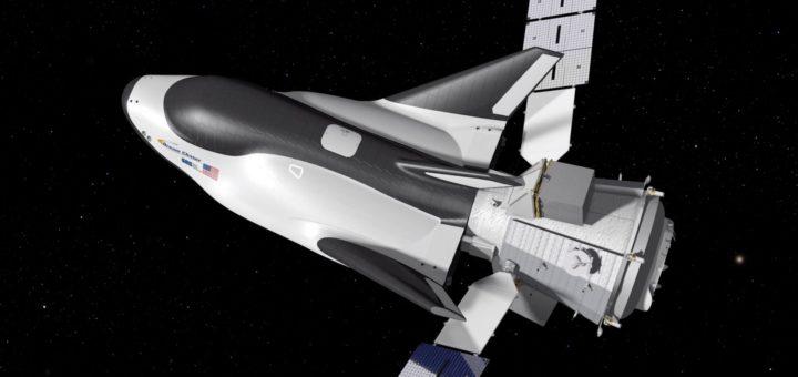 Rappresentazione artistica della navetta Dream Chaser con agganciato il modulo cargo Shooting Star. Credit: Sierra Nevada Corp.