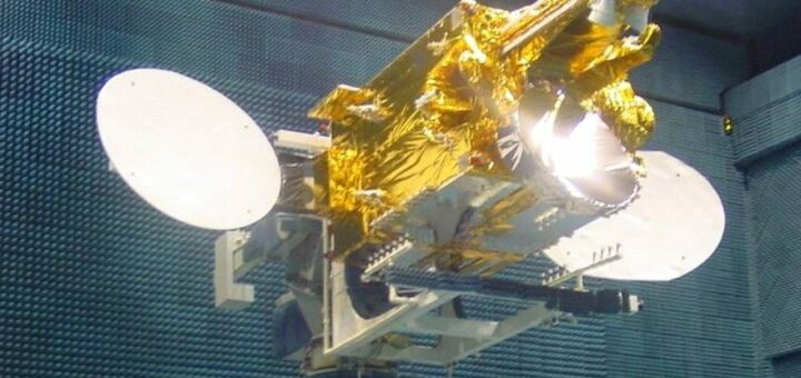 Il satellite VeneSat-1 durante i controlli prima del lancio. Credits: Bolivarian Agency for Space Activities (ABAE)