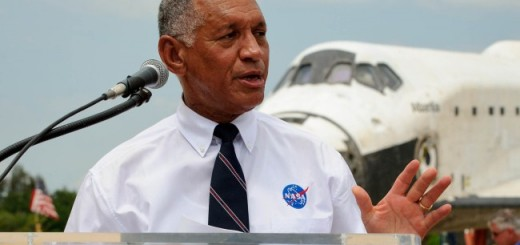 Charles_Bolden_speaks_at_STS-135_wheels_stop_event_