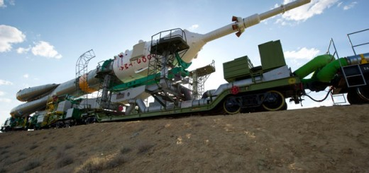 Expedition 28 Soyuz Rollout