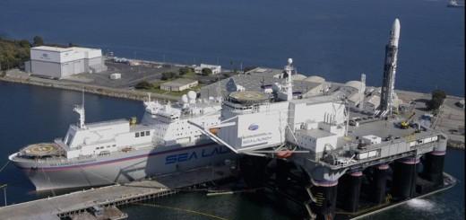 sea launch, nave e piattaforma ormeggiate a Long Beach