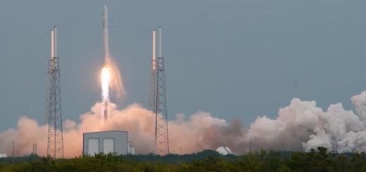 Falcon 9 / Dragon CRS-2