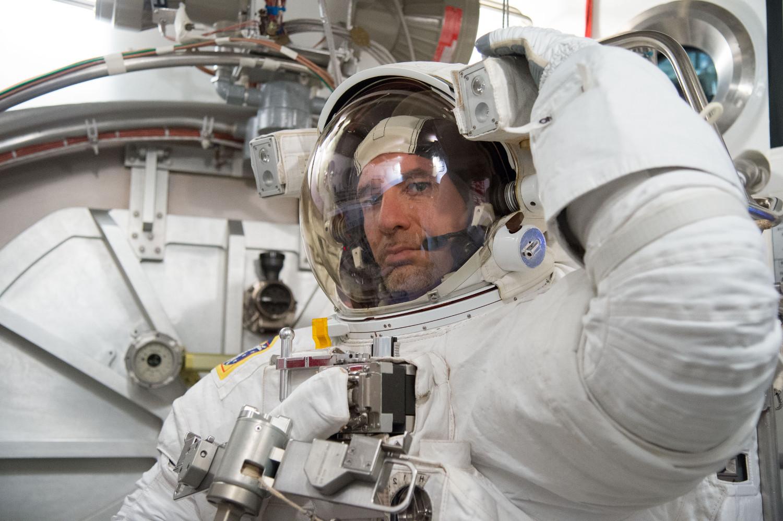 L'astronauta Luca Parmitano al Neutral Buoyancy Laboratory della NASA a Houston. Fonte: NASA