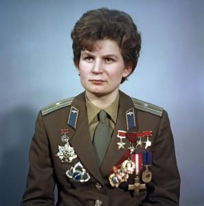 Valentina Tereshkova. Fonte: RIA Novosti archive, image #612748 / Alexander Mokletsov / CC-BY-SA 3.0