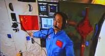 Ancora Nie Haisheng dialoga con il Centro di Controllo di Pechino