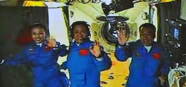 I tre astronauti di Shenzhou 10: Wang Yaping, Nie Haisheng e Zhang Xiaoguang