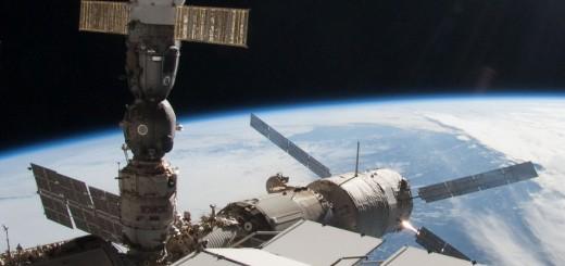 Dettaglio della foto ISS028-E-005671 che mostra ATV attraccato alla ISS - Credit: NASA/Spacemonkey