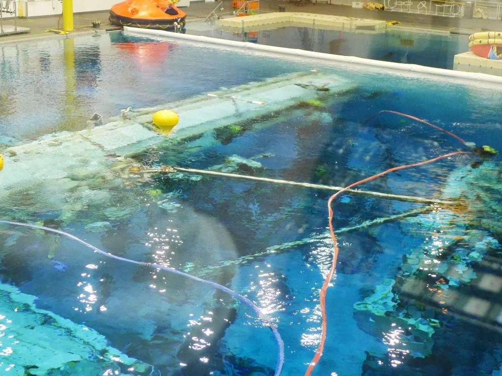 Il Canadarm 2 nel NBL del JSC. Fonte: Samantha Cristoforetti