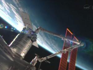 La capsula Cygnus agganciata al modulo Harmony della ISS. Credit: NASA.