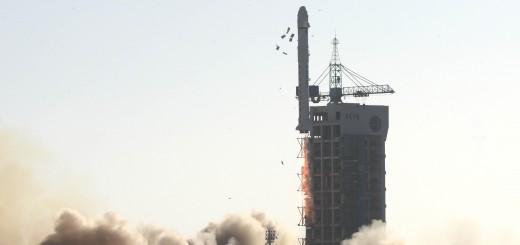 Lancio del satellite Shiyan Weixing-5. Credit: Xinhua/Zhu Zheng.