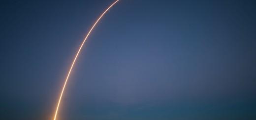 Il lancio del Falcon 9 per la missione SES-8. Credit: SpaceX.