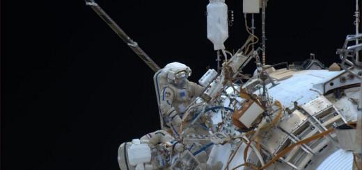 Kotov e Ryazanskiy in azione nell'ultiam EVA del 2013. Credit: NASA/Rick Mastracchio.