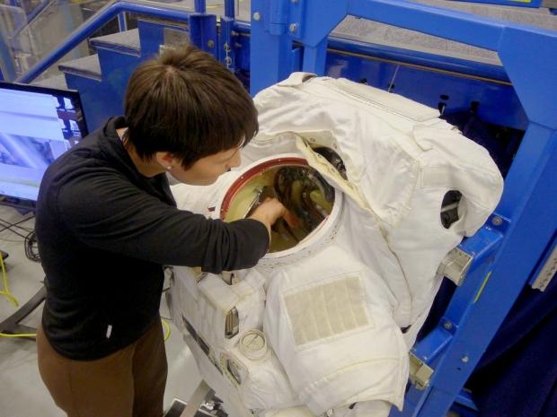 [IMG]http://www.astronautinews.it/wp-content/uploads/2014/03/1-P1060803-002-620x465.jpg[/IMG]