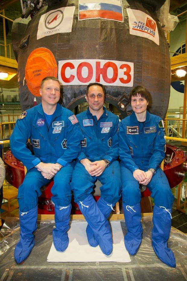 [IMG]http://www.astronautinews.it/wp-content/uploads/2014/05/14034987069_5b36843ae0_b-620x929.jpg[/IMG]