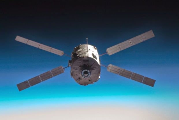 [IMG]http://www.astronautinews.it/wp-content/uploads/2014/06/iss016e034191_ppt-620x414.jpg[/IMG]
