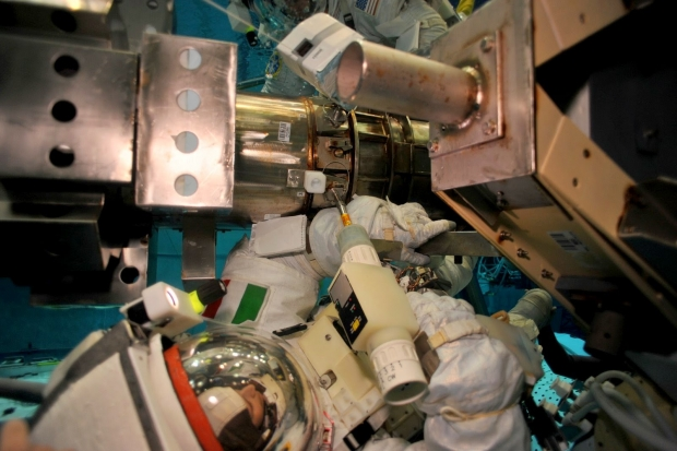 [IMG]http://www.astronautinews.it/wp-content/uploads/2014/07/1-NB2_4644-620x413.jpg[/IMG]