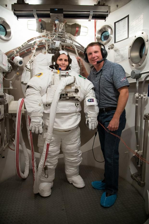 [IMG]http://www.astronautinews.it/wp-content/uploads/2014/09/14525790507_3a67108c94_k-620x931.jpg[/IMG]