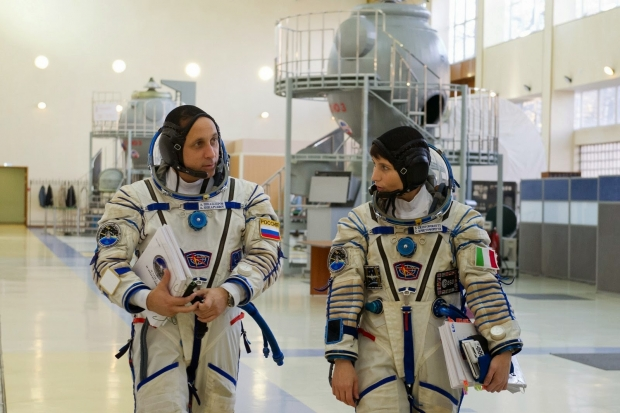 [IMG]http://www.astronautinews.it/wp-content/uploads/2014/10/1-SHL_3017-620x413.jpg[/IMG]