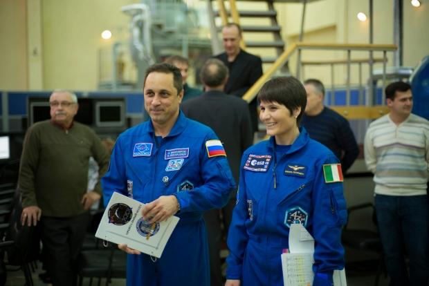[IMG]http://www.astronautinews.it/wp-content/uploads/2014/10/15555779595_293be8f67c_k-620x414.jpg[/IMG]