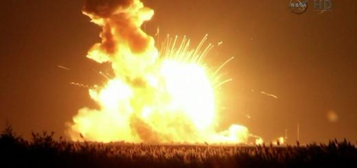 L'esplosione a contatto con il suolo del razzo Antares CRS-3. Image credit: NASATV.