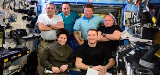 Emergency training today with the full 6 person Expedition 43 crew - © astro_terry on instagram/twitter