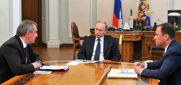 Putin-Rogozin-Komarov 2015. Credit Kremlin.ru