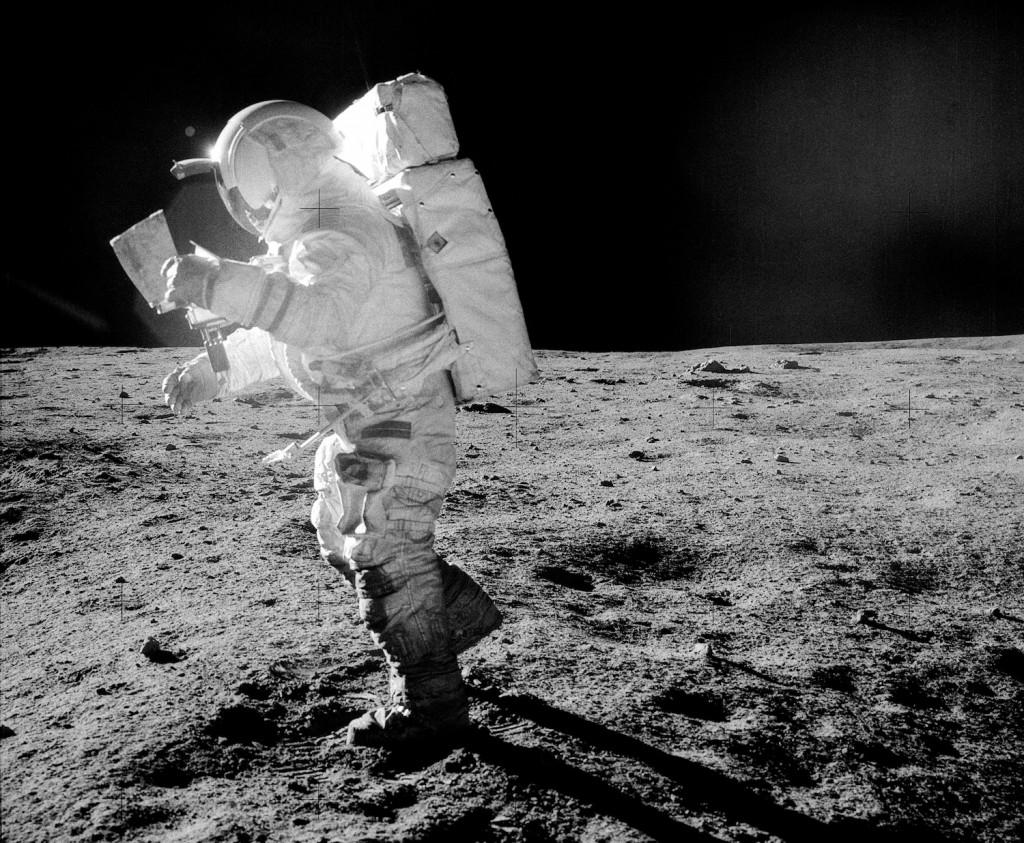Mitchell durante la seconda EVA. Credit: NASA