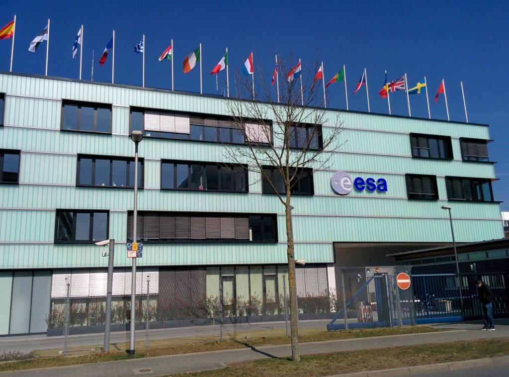 La nuova facciata di ESA/ESOC - Foto ISAA/M. Zambianchi