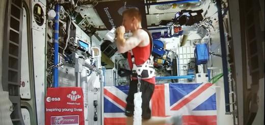 L'astronauta dell'ESA Tim Peake durante la Maratona di Londra (C) ESA.